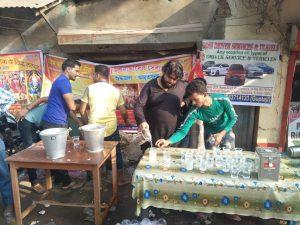 छठ पर्व पर 'पं बंगाल अग्रहरि सेवा समिति' का सेवा कार्य 2